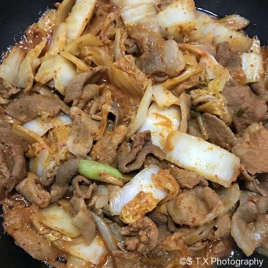 辣椒酱白菜炒肉
