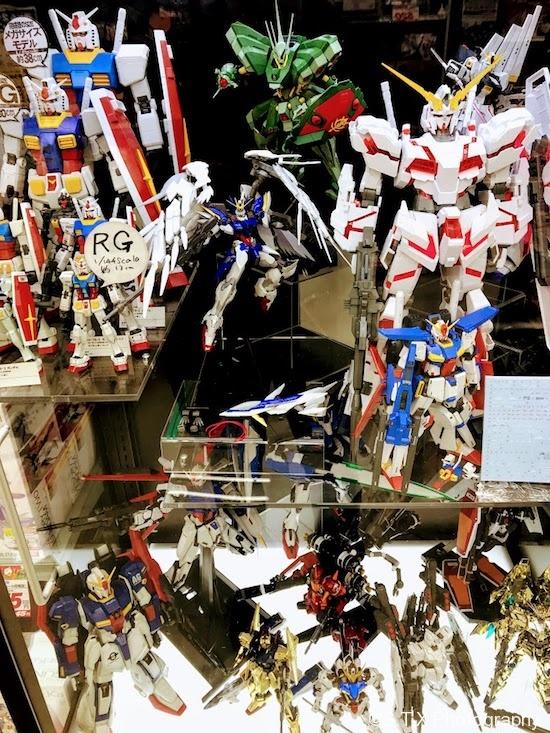 日本桥商店街、KIDS LAND、高达模型
