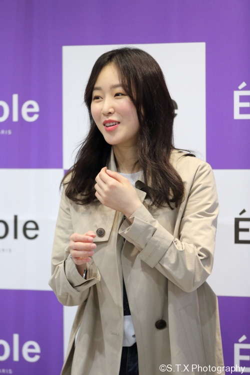 徐玄振、Seo Hyun Jin