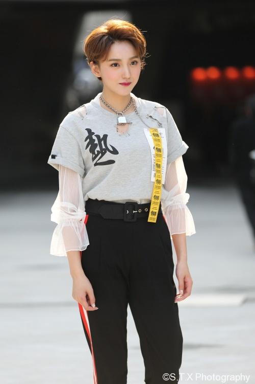 2018春季首尔时尚街拍、艾晓琪