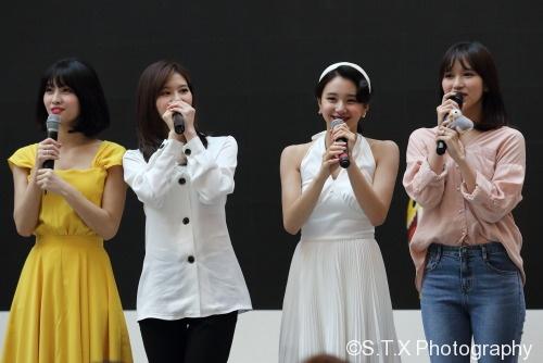 TWICE、Momo、Sana、彩瑛、Mina