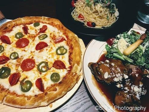 鸡腿排、AlioOlio意大利面、意大利腊肠披萨