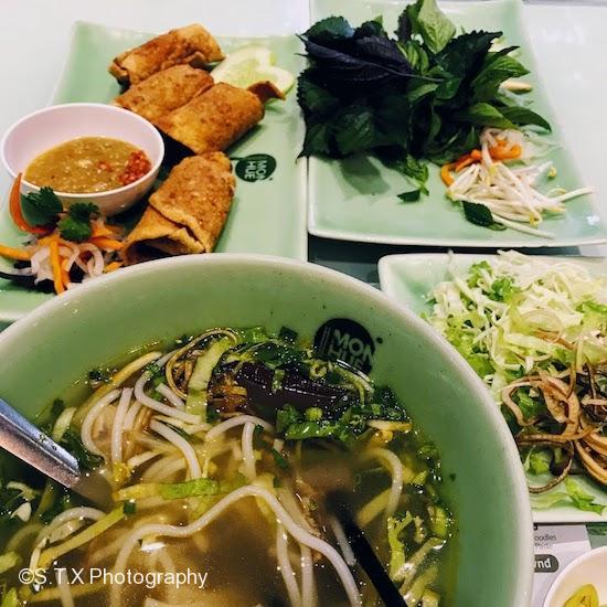 越南河粉、炸猪肉卷