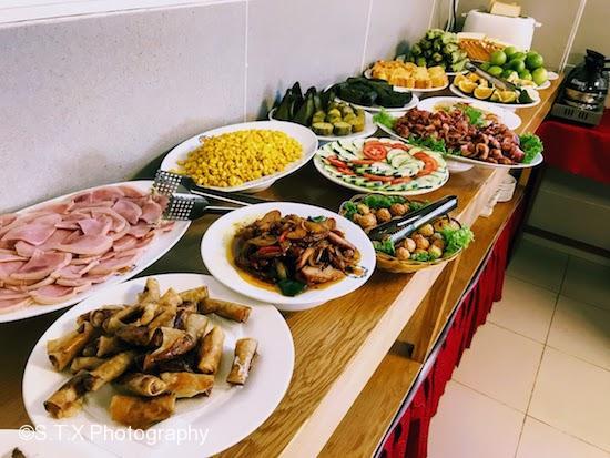 岘港酒店免费早餐